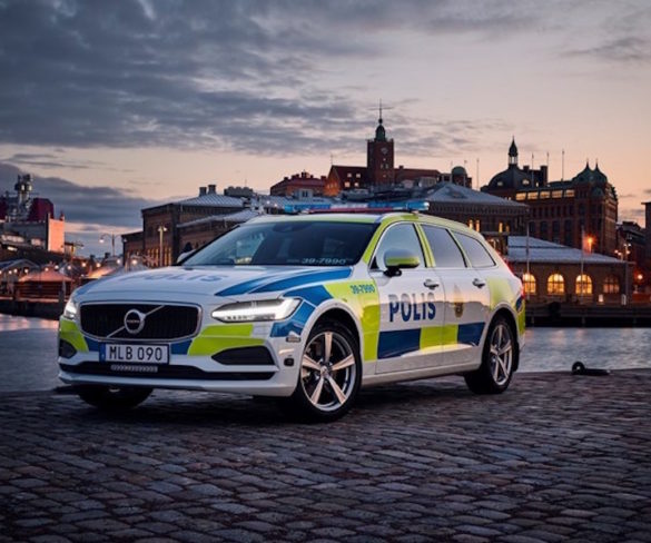 Swedish police deploy Volvo V90