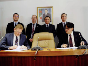 The contract for vehicle assembly was signed in the presence of the Algerian Minister of Industry Abdessellam Bouchouareb.