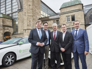 Largest Toyota Mirai FCV fleet begins work in Hamburg