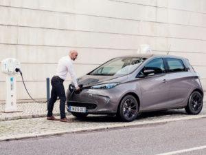 Renault ZOE on charge