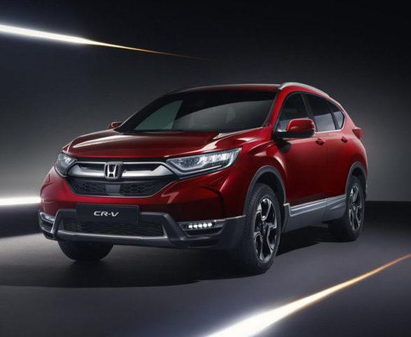 Honda CR-V debuts hybrid power and seven-seater option