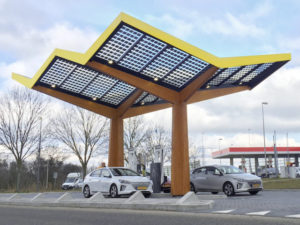 Fastned's first 350kW station is located on the A8 highway near Amsterdam.