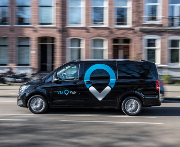 Mercedes' Uber-rivalling ride-hailing service goes live in London