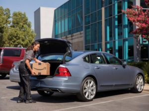 Volvo Cars adds in-car delivery by Amazon Key