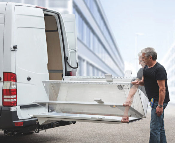 German company Bar Cargolift re-enters UK tail-lift market