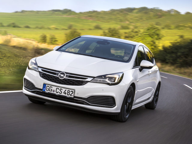 The 1.6-litre petrol and diesel engines of the Opel Astra now meet the Euro 6d-TEMP standard.