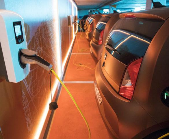 Seat deploys electric carsharing fleet