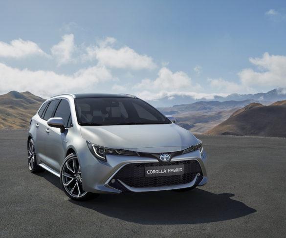 Toyota previews hybrid Corolla estate
