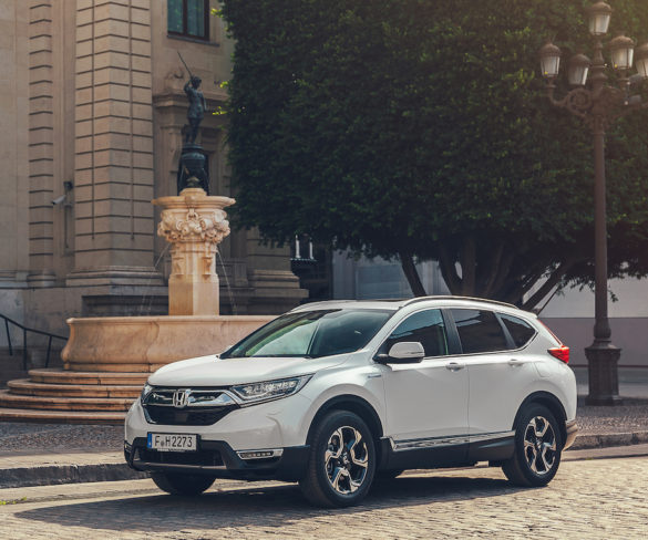 Honda CR-V hybrid offers diesel-like CO2 emissions