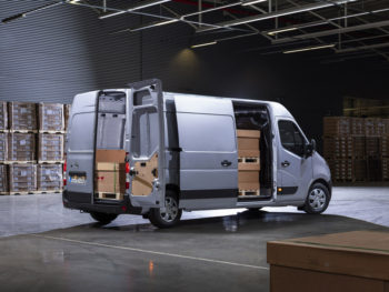 The Movano is available in four different lengths and three heights, carrying a maximum payload of up to 2110kg and 17m3 of cargo