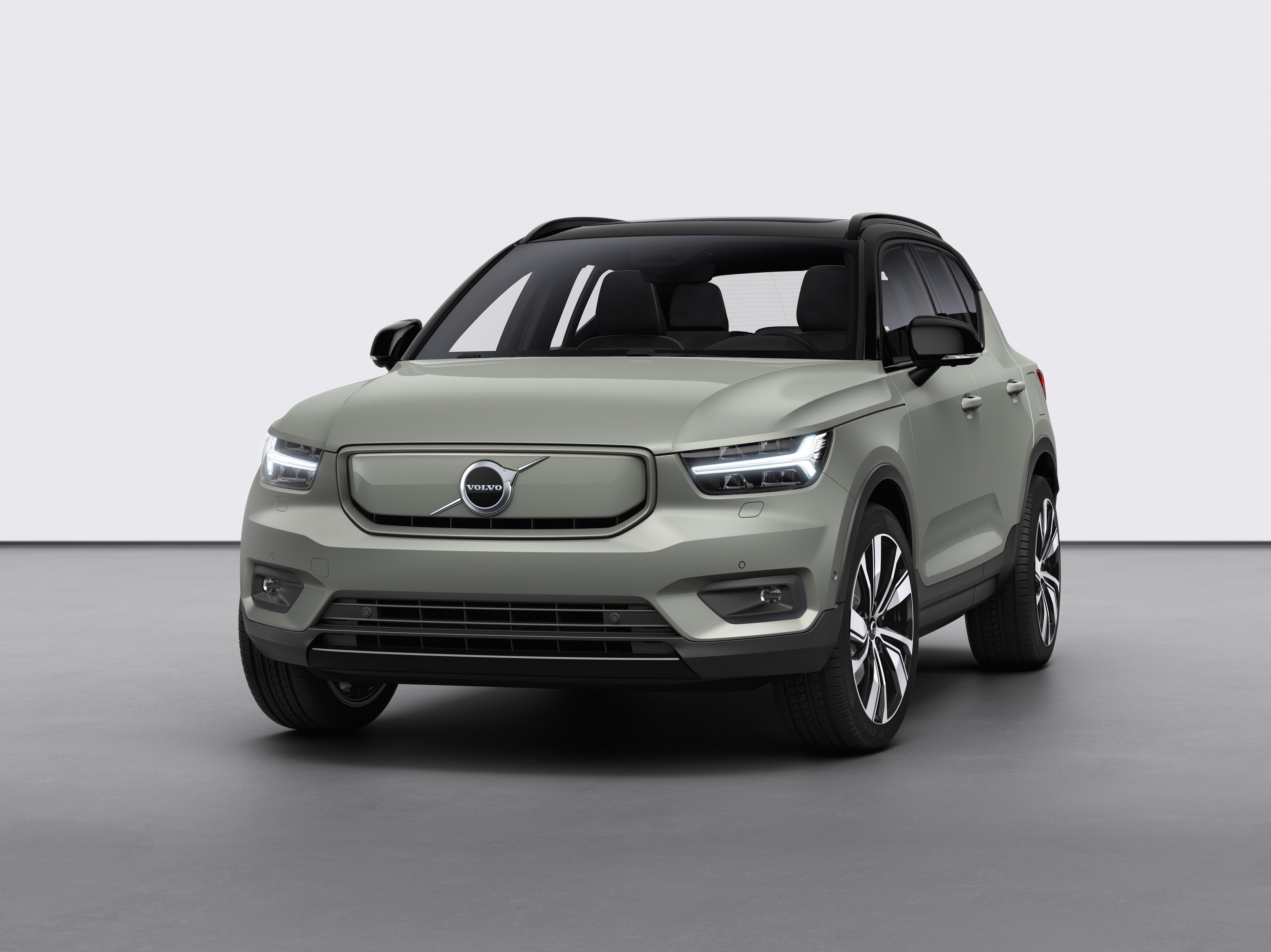volvo u0026 39 s xc40 recharge debut electric car to bring over 400km range